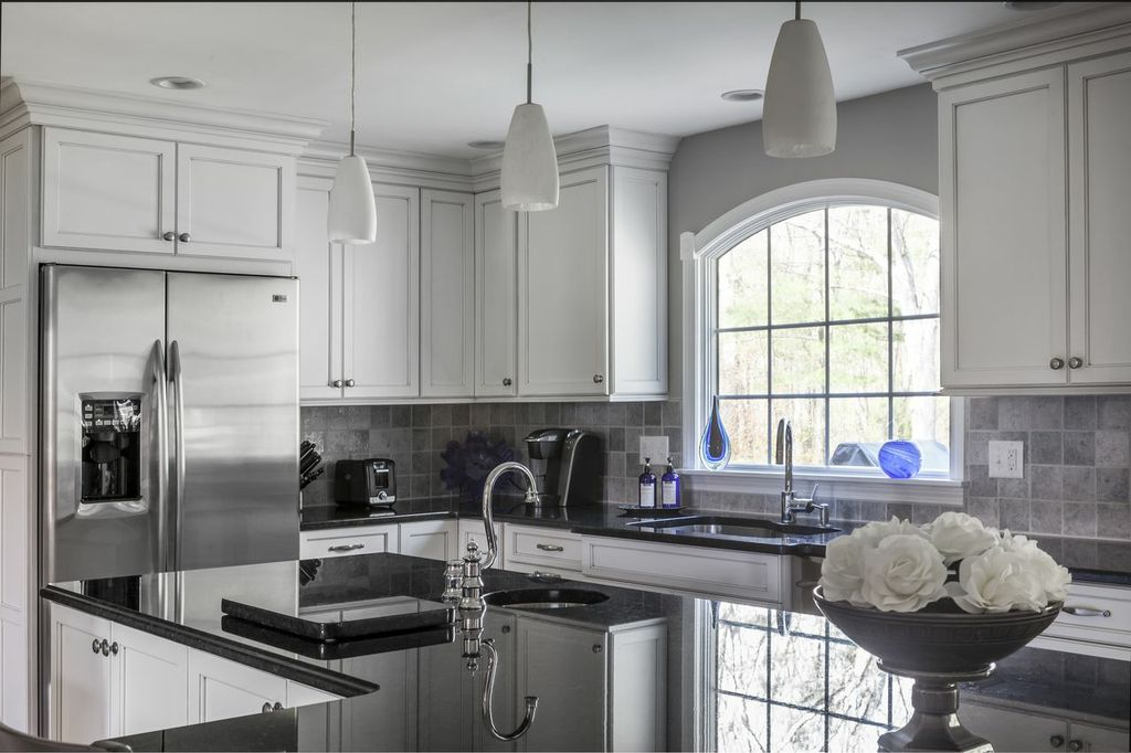 Today s kitchen trends with staying power corridor kitchens for Corridor kitchen